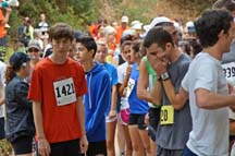 Runners waiting for the Mount Madonna Challenge; Photo by Alheli Curry